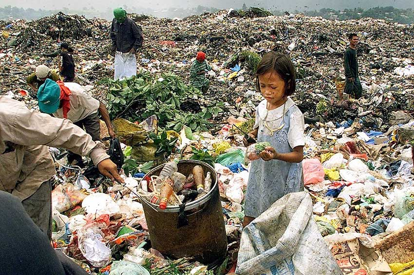 children-working-on-a-dump